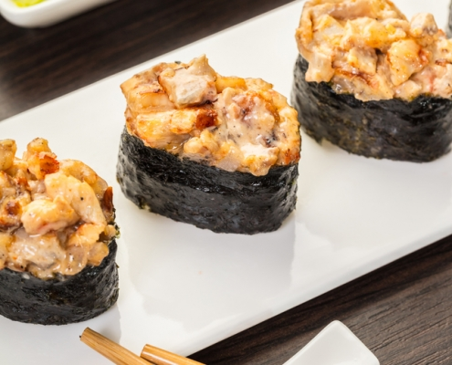 Spicy Salmon Gunkan Roll